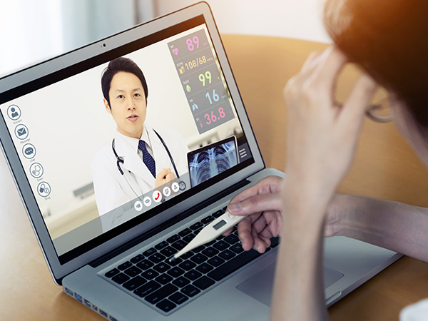 オンライン診療やペーパーレス化